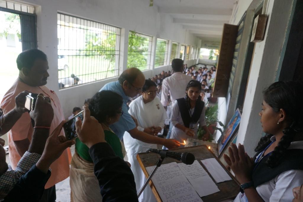 Deep Prajwalan Karti Huyi Manju DDG (2)